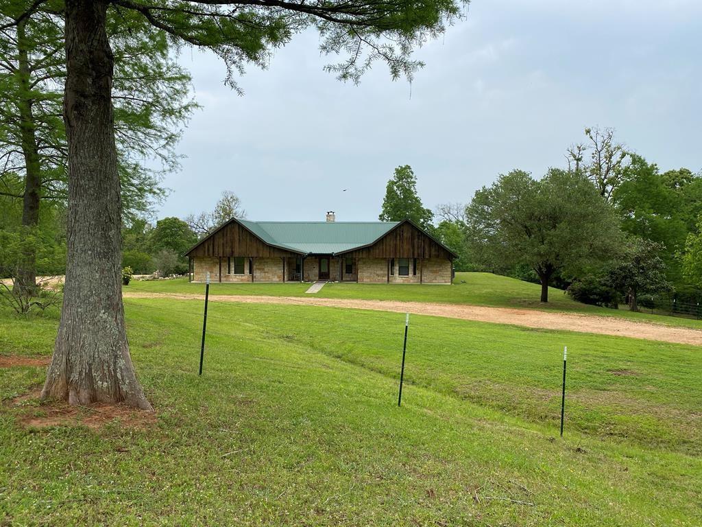889 Sm Tucker Road Property Photo