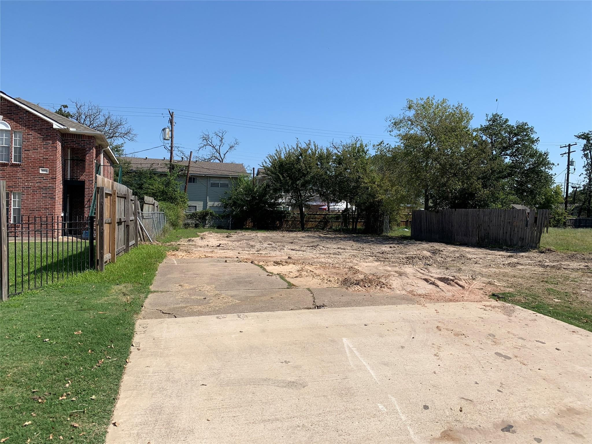 3905 College Main Street Property Photo - Bryan, TX real estate listing