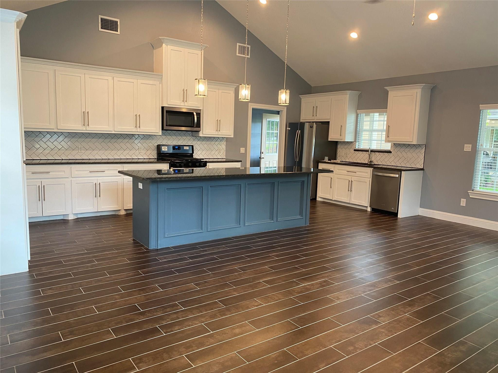 1110 Palestine Street Property Photo - South Houston, TX real estate listing