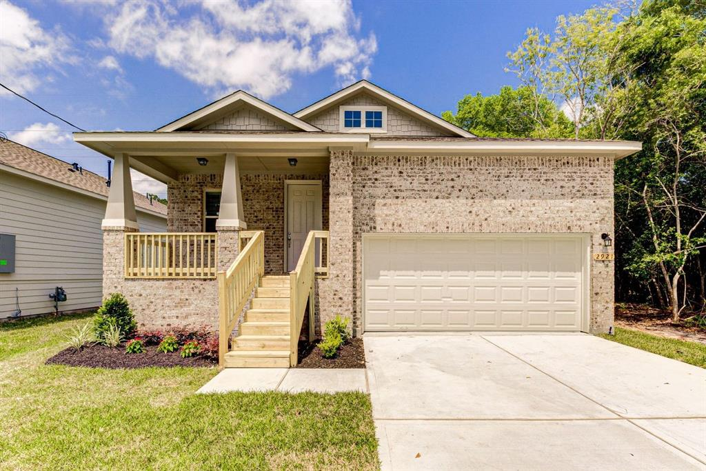 2219 Meadow Lane Drive Property Photo - La Marque, TX real estate listing