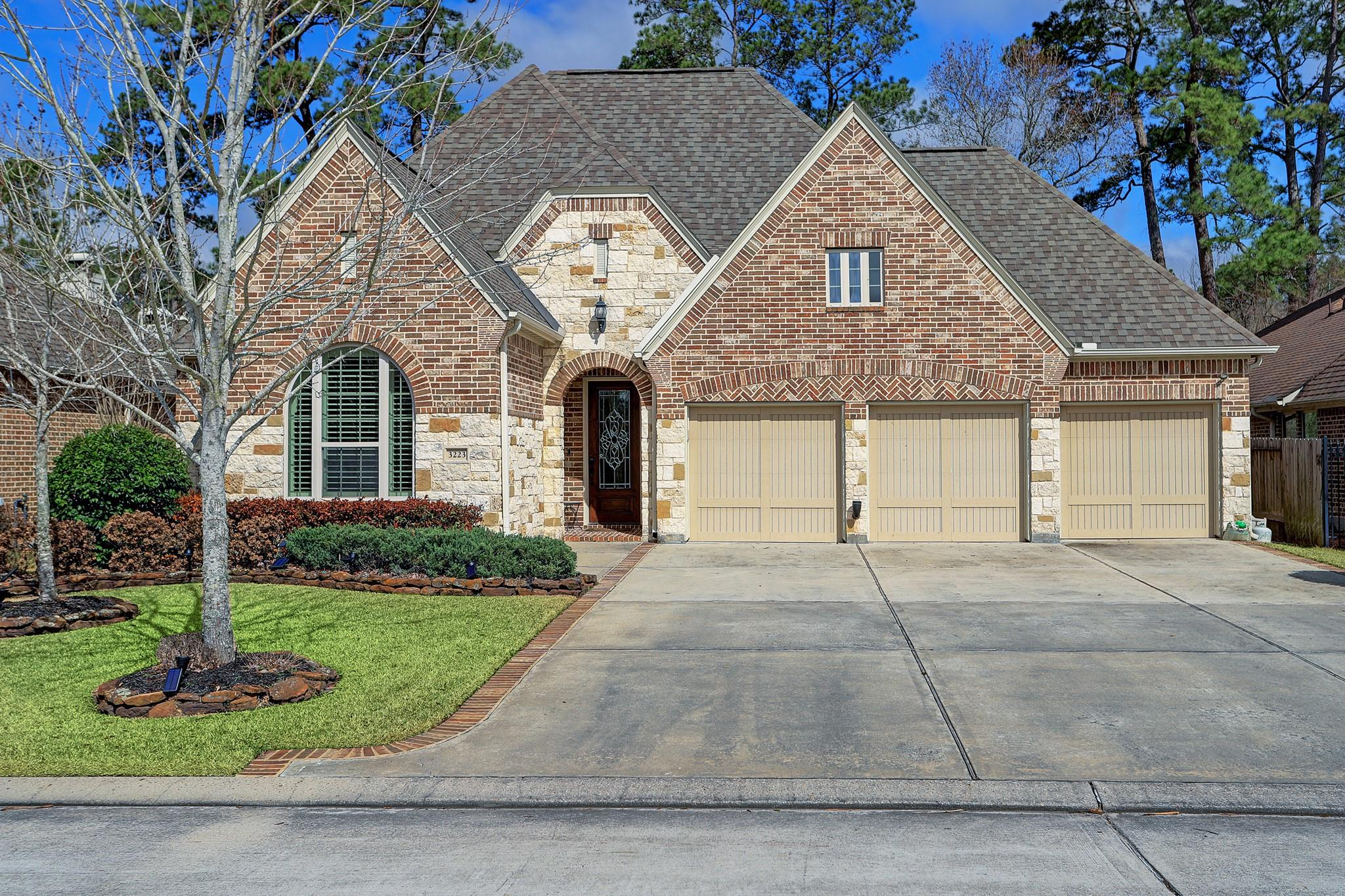 3223 N Cotswold Manor Drive Property Photo - Kingwood, TX real estate listing
