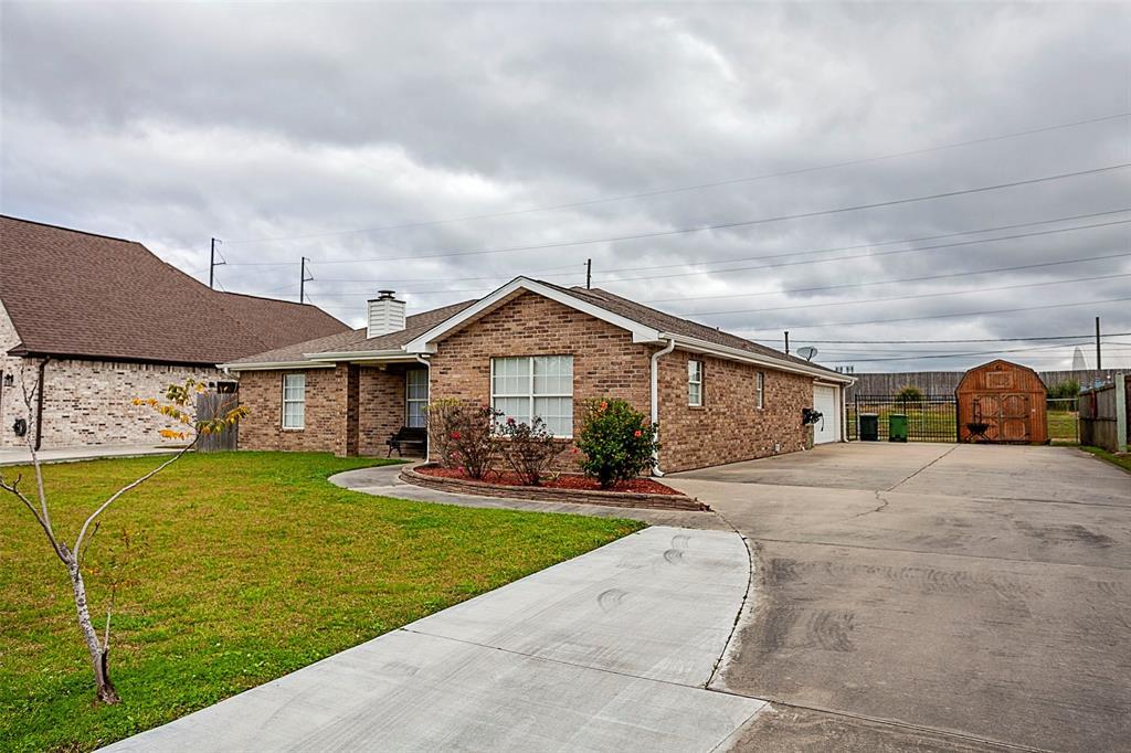 2736 Oxford Drive, Port Arthur, TX 77642 - Port Arthur, TX real estate listing