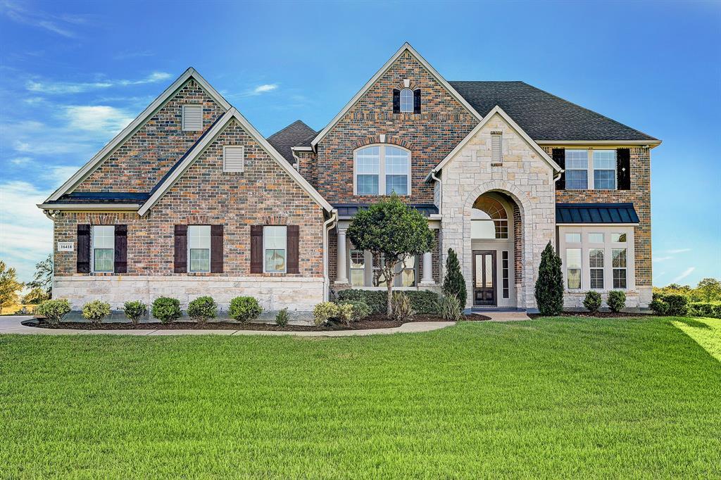 16418 Majestic Oaks Drive Property Photo - Rosharon, TX real estate listing
