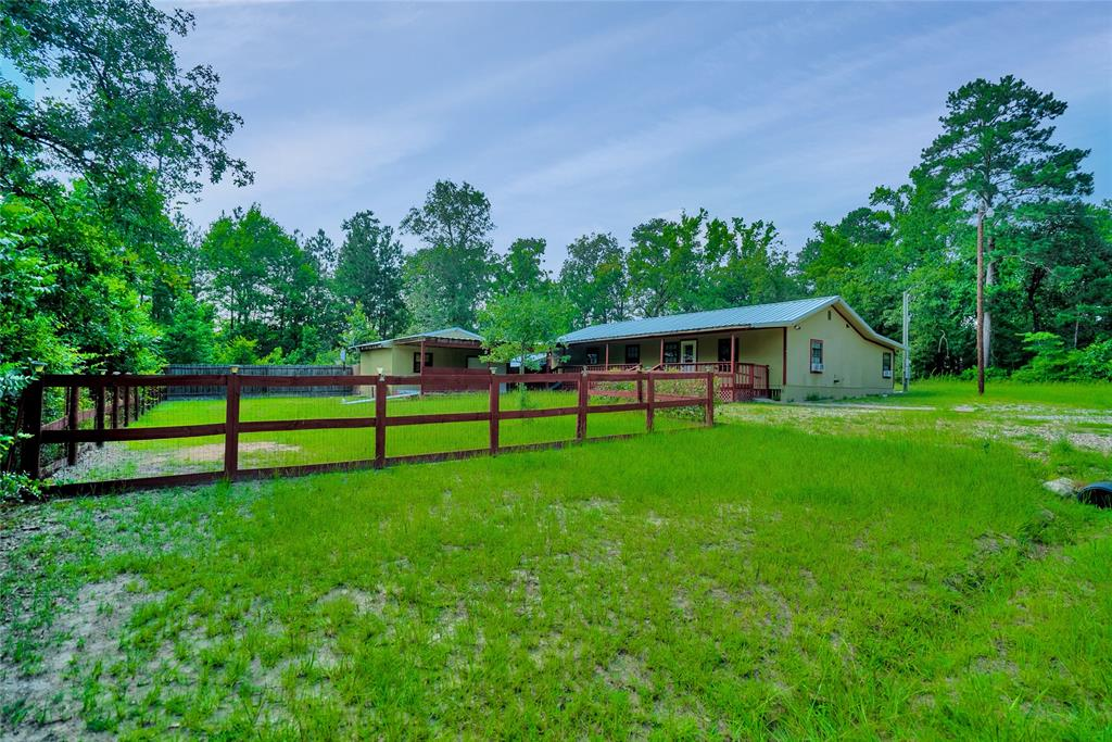 156 Red Bird Drive Property Photo - Trinity, TX real estate listing