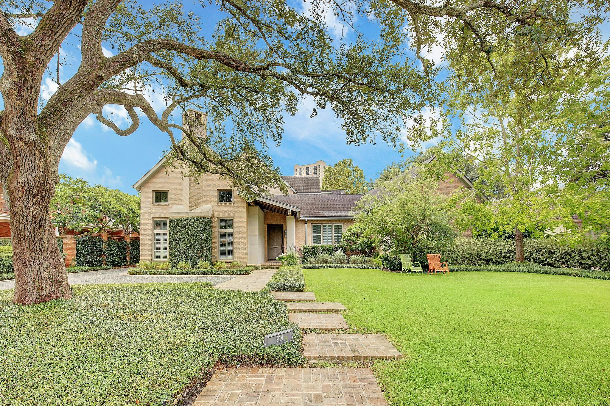 914 Old Lake Road Property Photo - Houston, TX real estate listing