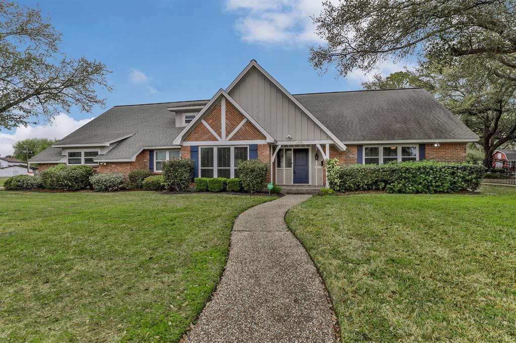 1530 19th Avenue N Property Photo - Texas City, TX real estate listing
