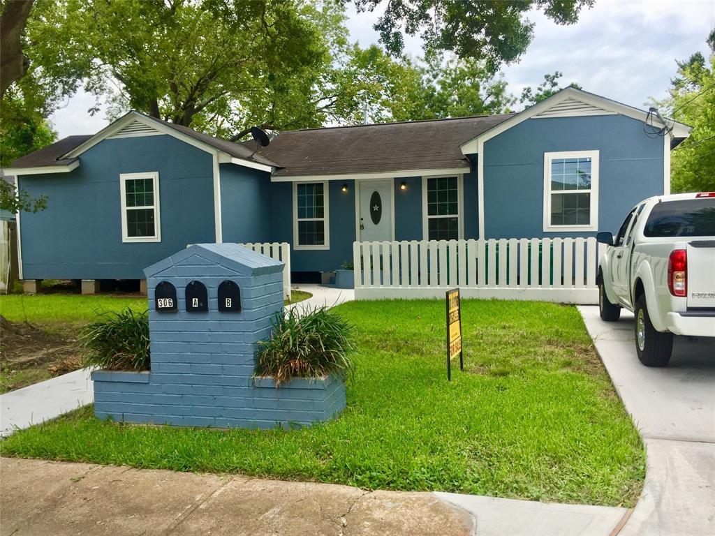 306 Willow Street Property Photo - Pasadena, TX real estate listing