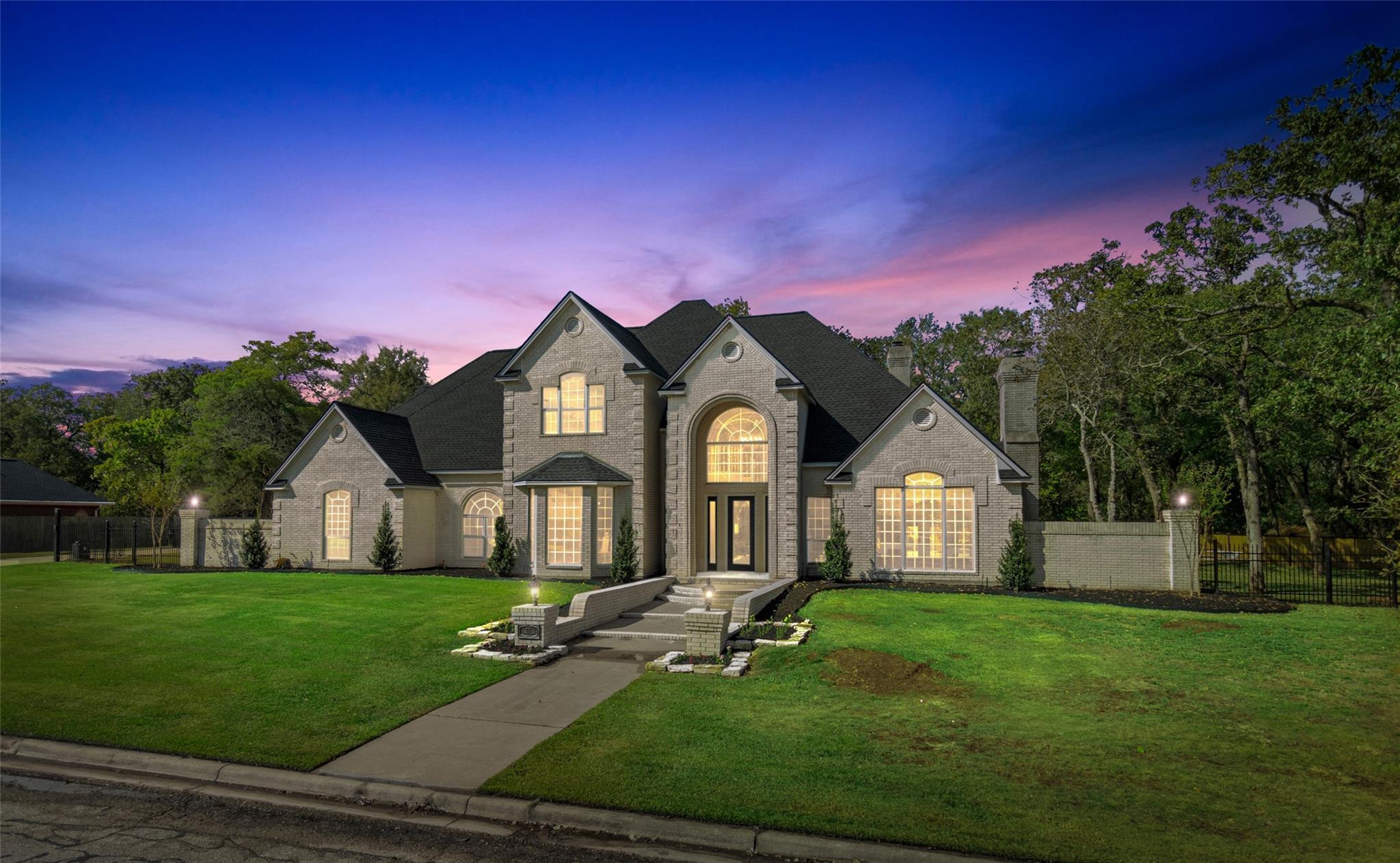 804 Timber Lane Property Photo - Caldwell, TX real estate listing