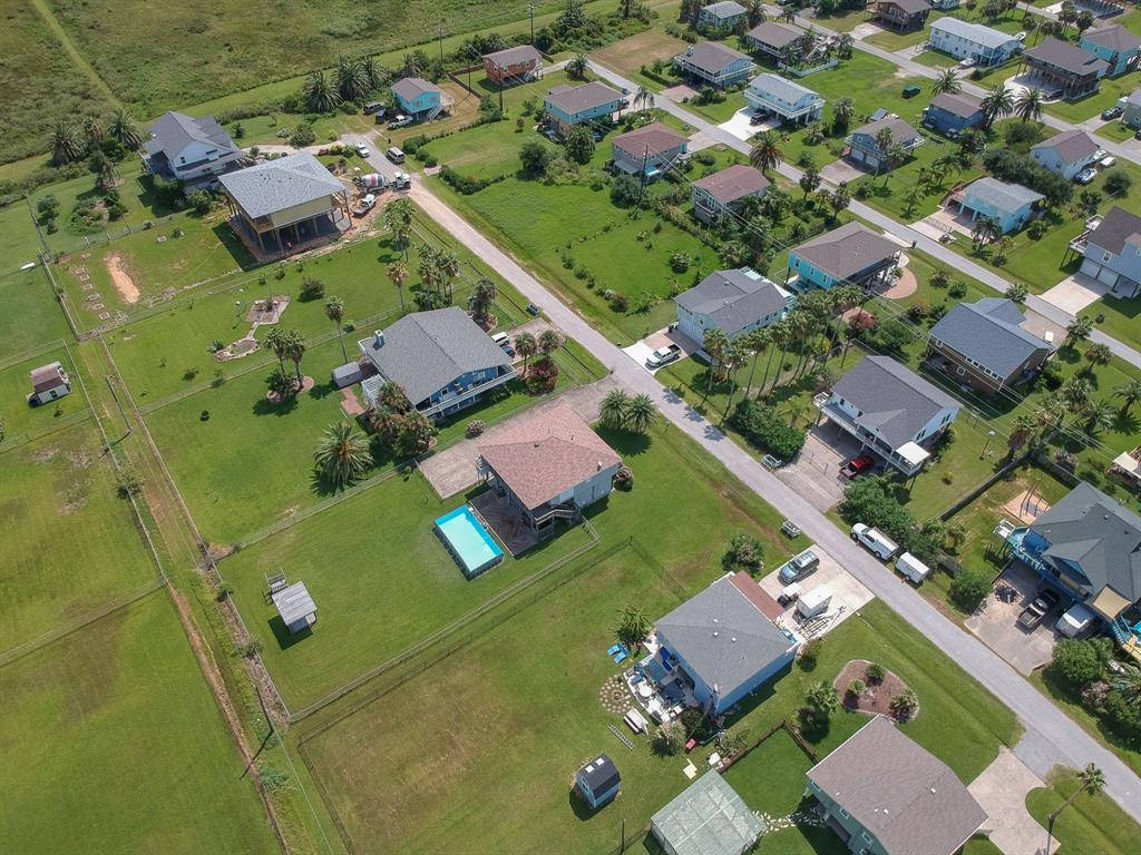 16518 Francis Drake Road Property Photo - Jamaica Beach, TX real estate listing
