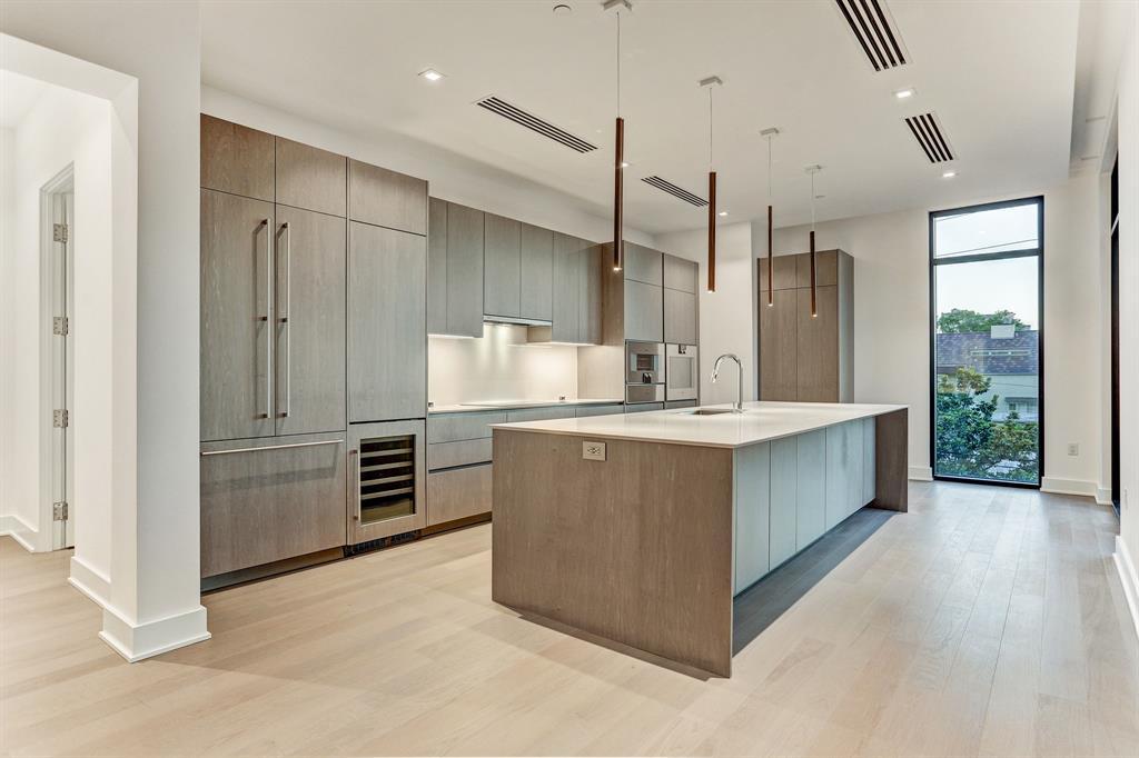 2710 Steel Street #302 Property Photo - Houston, TX real estate listing