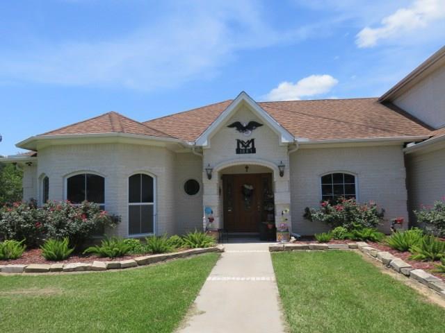 1007 Divide Street, El Campo, TX 77437 - El Campo, TX real estate listing