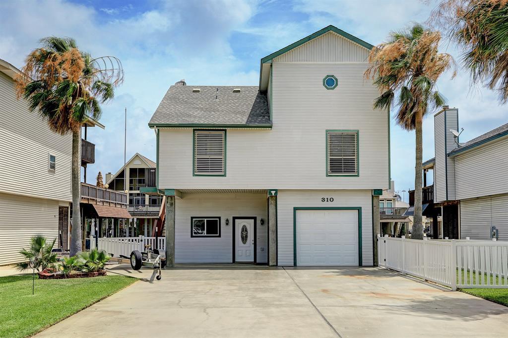 310 Admiral Circle, Tiki Island, TX 77554 - Tiki Island, TX real estate listing