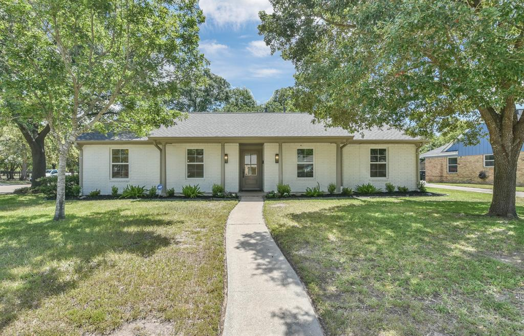 1718 Springwell Drive Property Photo - Houston, TX real estate listing
