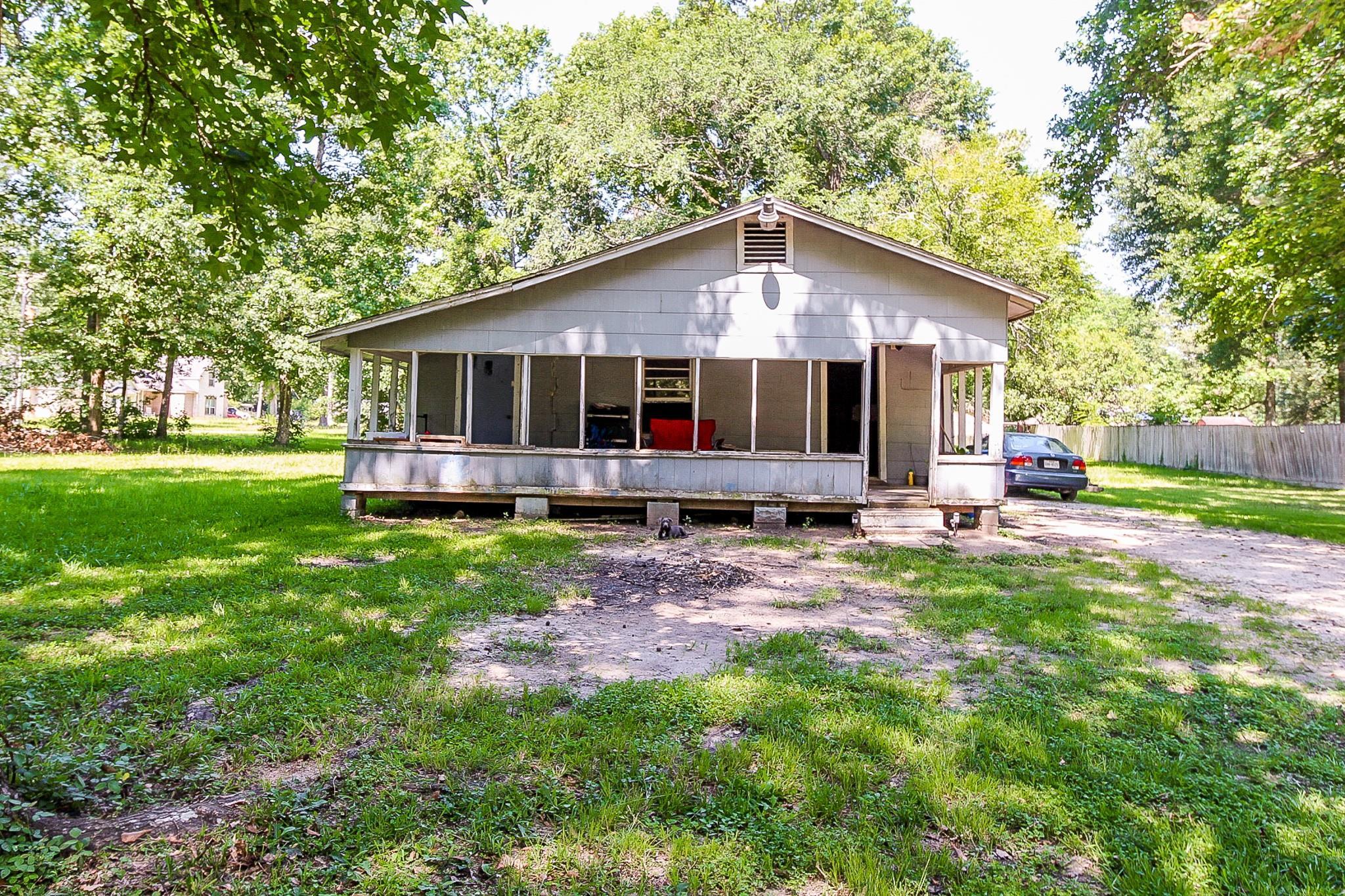 23882 Oakwood Drive Property Photo