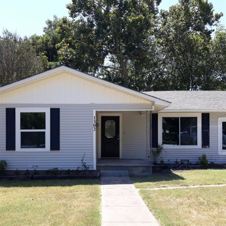 1302 W 15th Street Property Photo - Clifton, TX real estate listing
