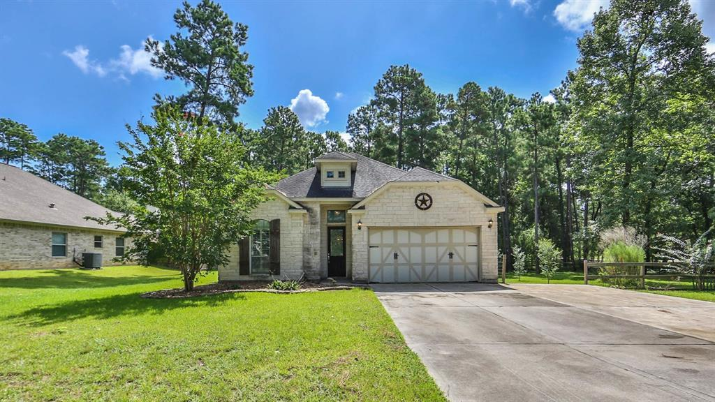 214 Weisinger Drive Property Photo - Magnolia, TX real estate listing
