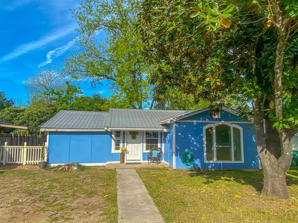 542 College Street Property Photo - Rockdale, TX real estate listing