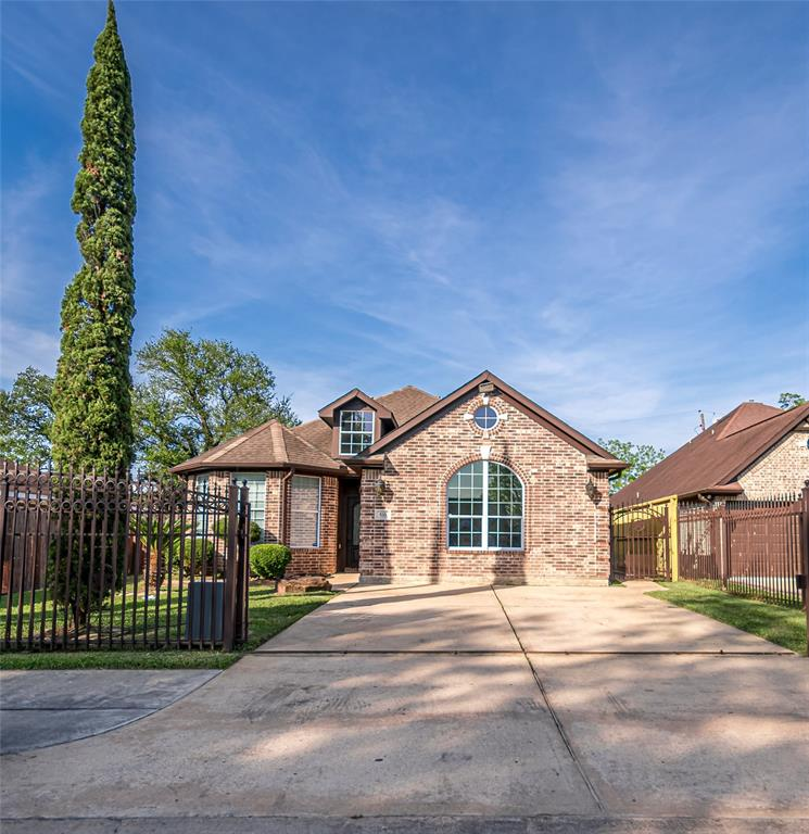 533 Pecan Dr Drive Property Photo - South Houston, TX real estate listing