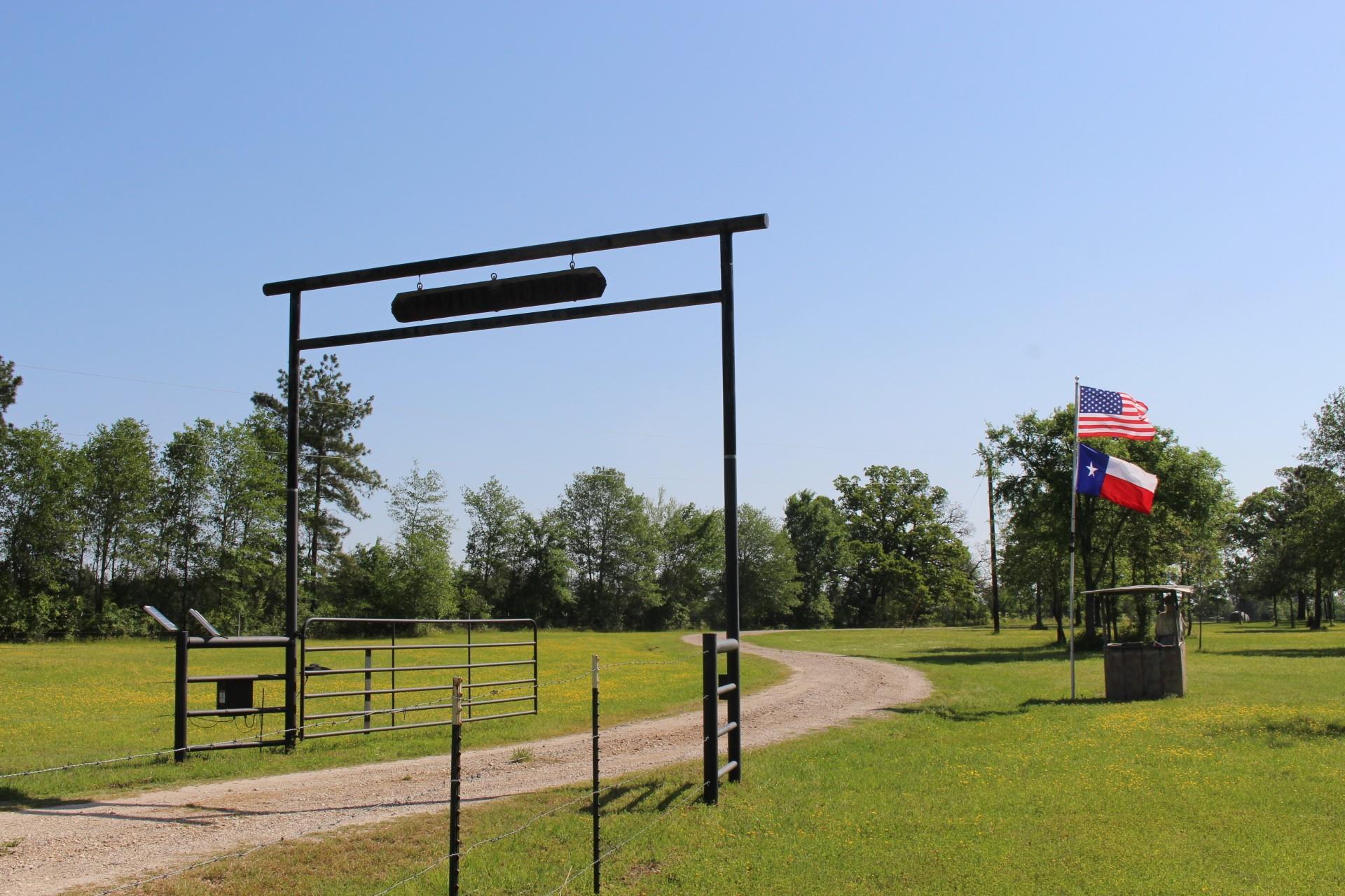 504 Davis Road Property Photo - Huntsville, TX real estate listing