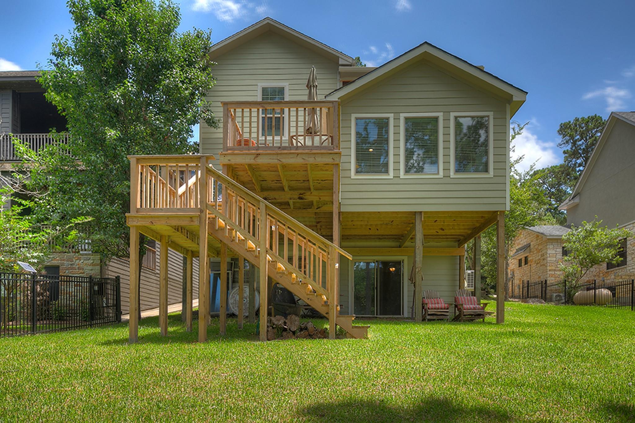 280 Lake Grove Drive Property Photo