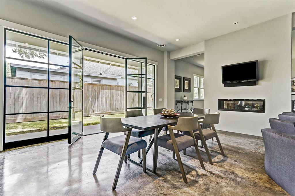 1817 Cortlandt Street Property Photo - Houston, TX real estate listing