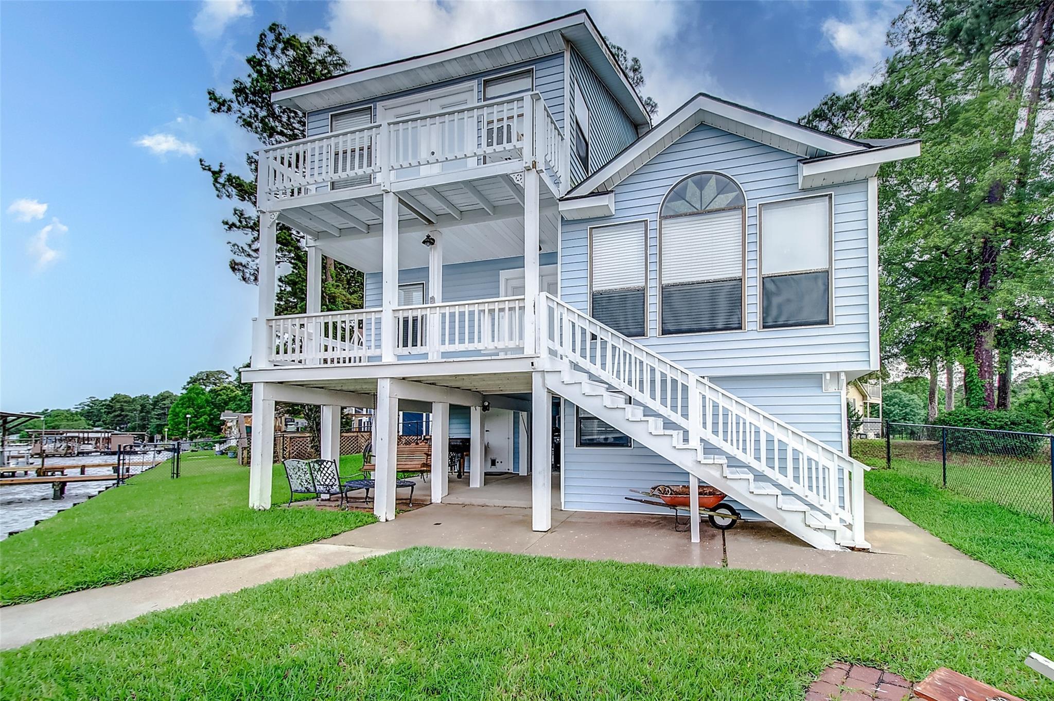 154 Point Drive Property Photo 1