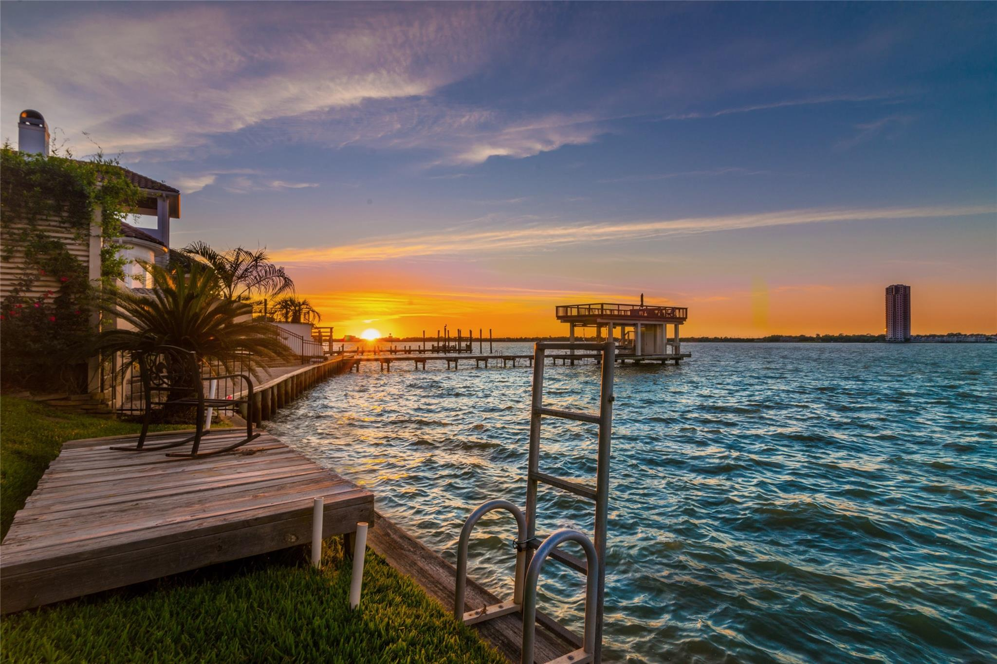 101 Blue Water Way Pvt Property Photo - Kemah, TX real estate listing