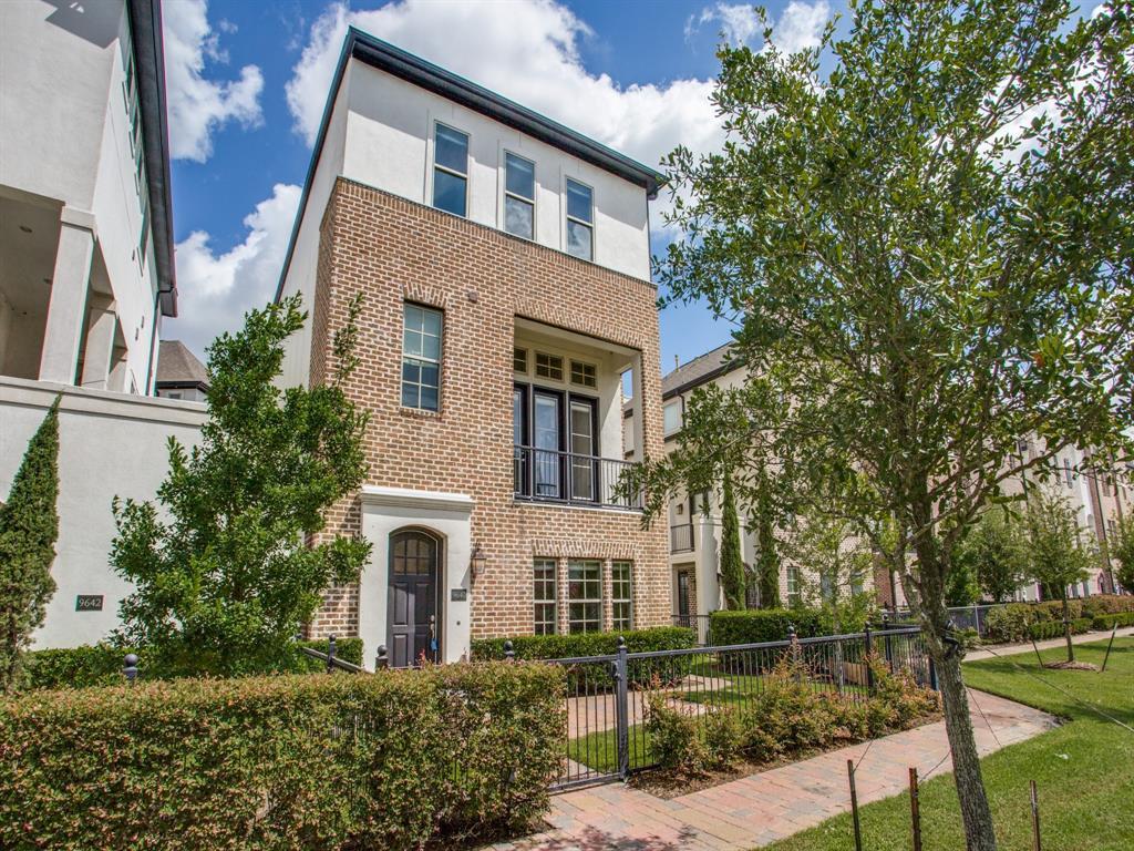 9640 Kings Cross Station, Houston, TX 77045 - Houston, TX real estate listing