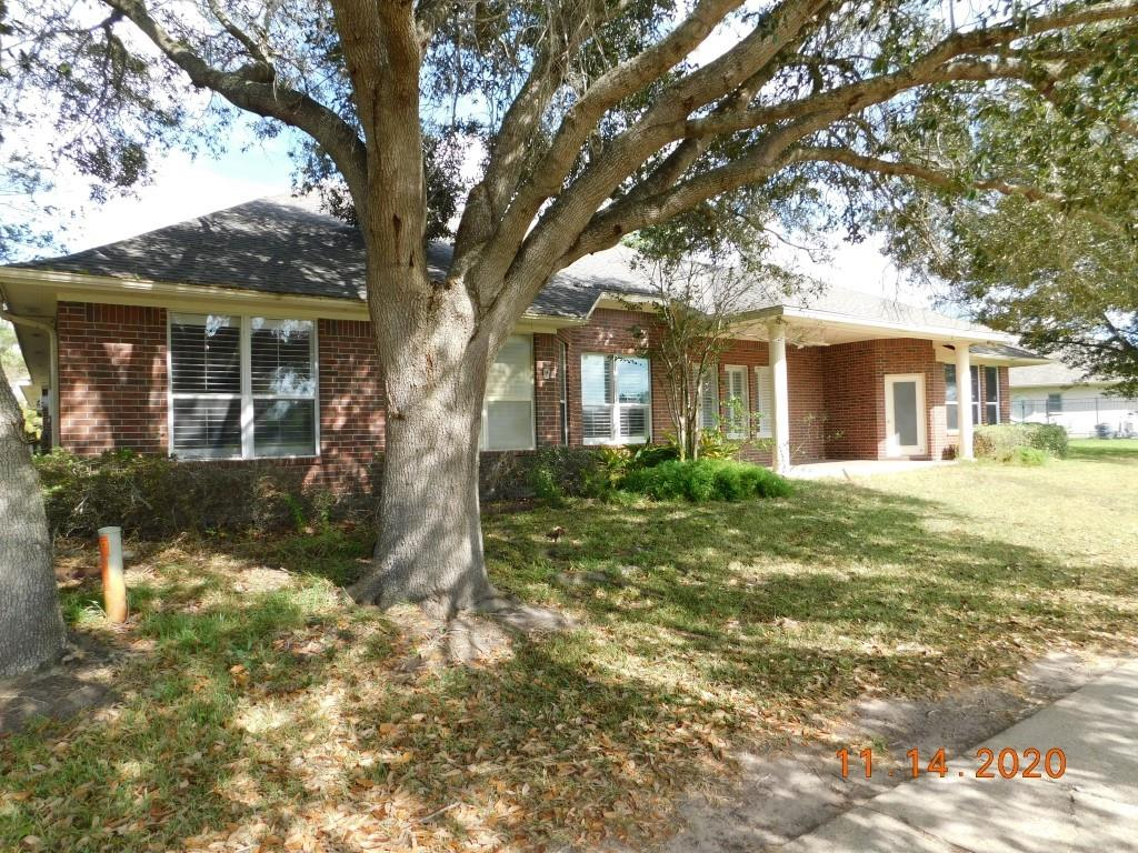 402 Edgewater Property Photo - Victoria, TX real estate listing