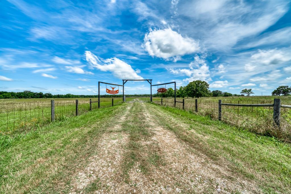 6339 Wiseman Road Property Photo - Midway, TX real estate listing