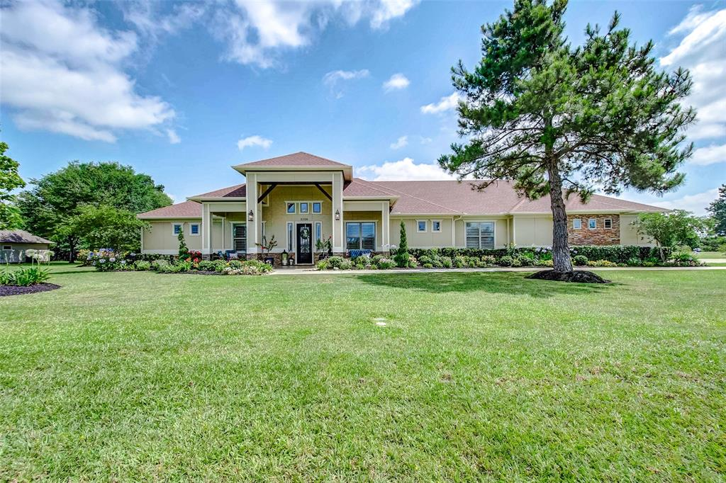 2126 Blue Jay Way Property Photo - Pattison, TX real estate listing