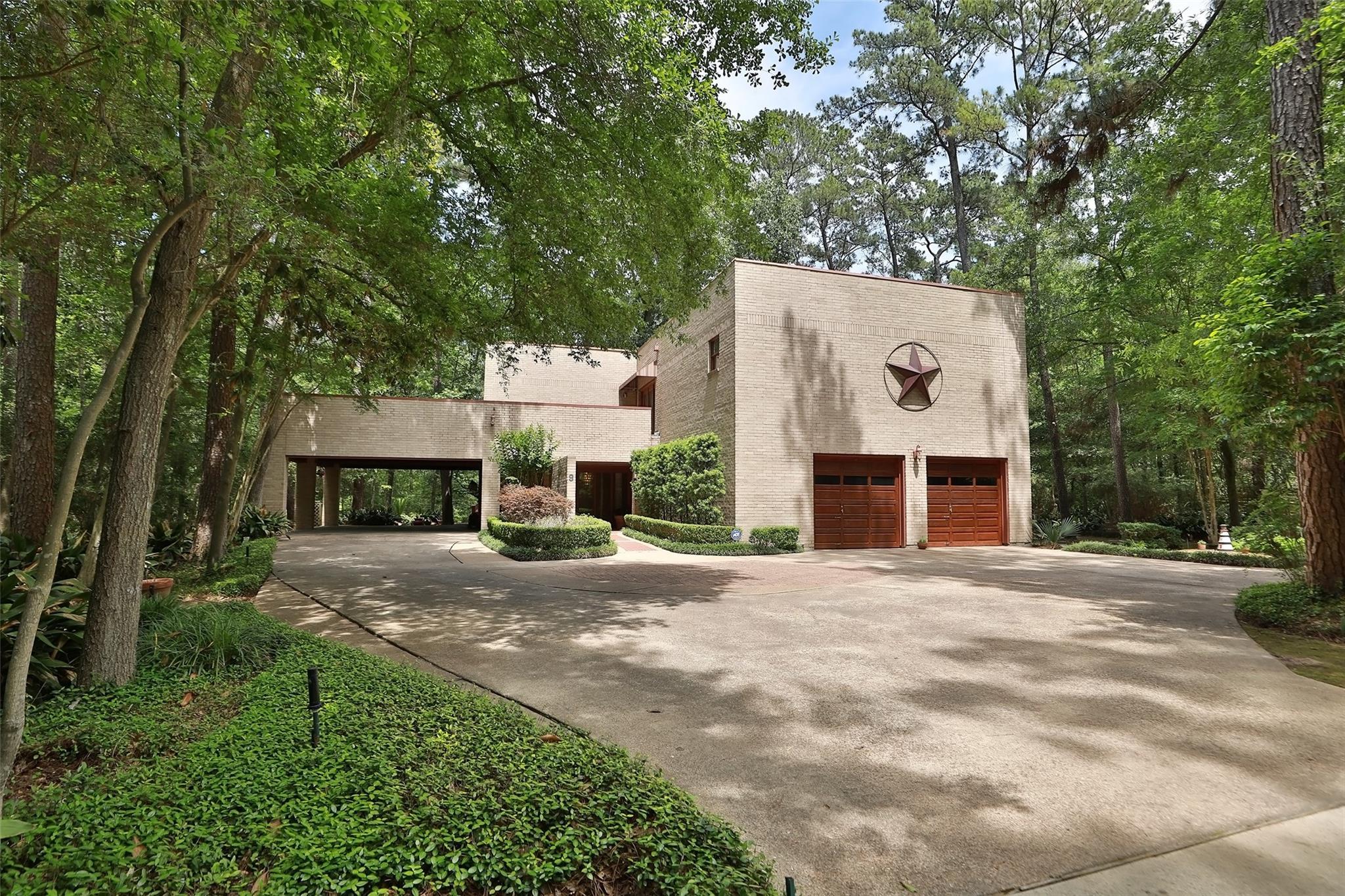 9 Thornhill Oaks Drive Property Photo