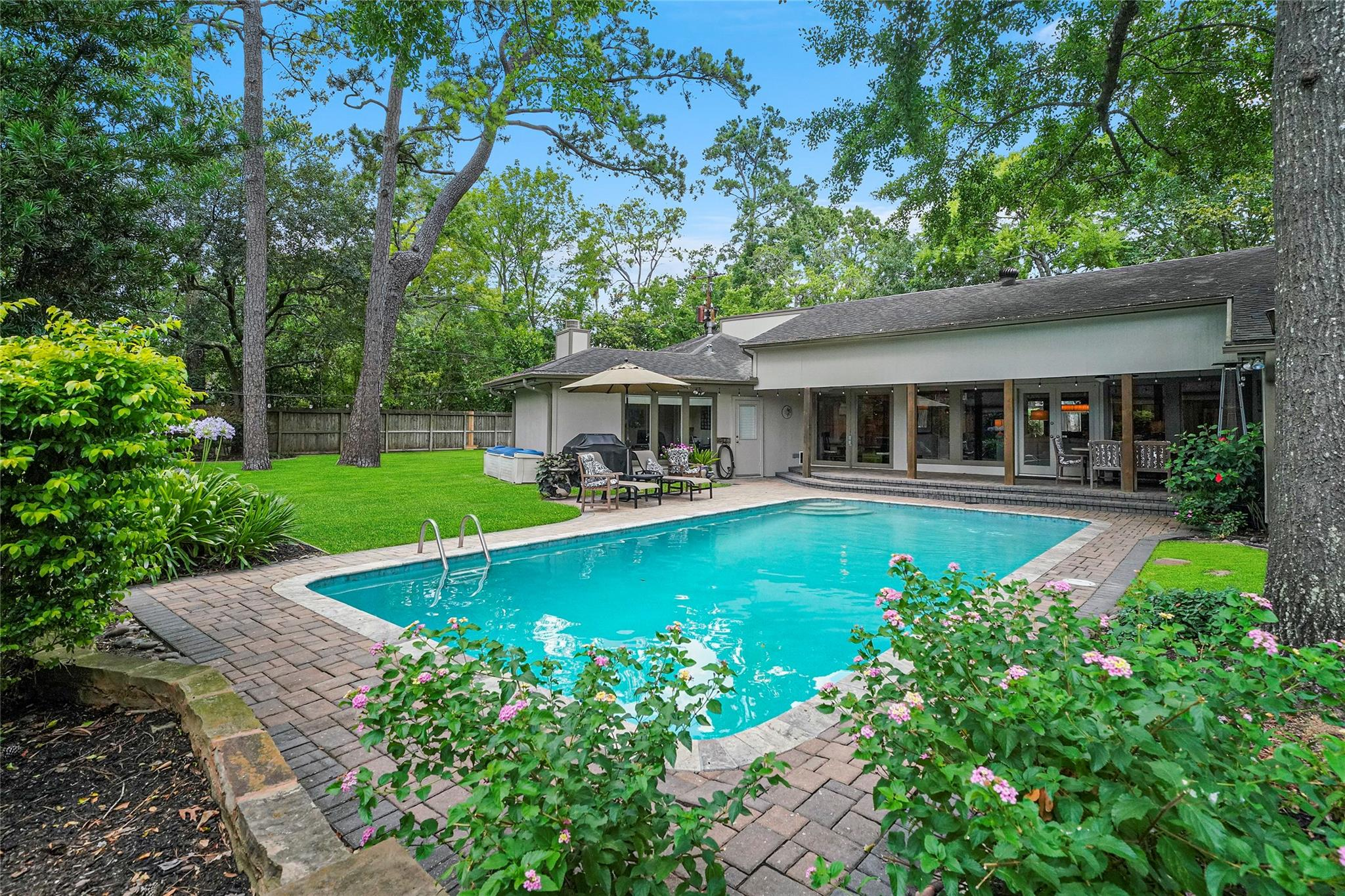 309 Mayerling Drive Property Photo - Bunker Hill Village, TX real estate listing