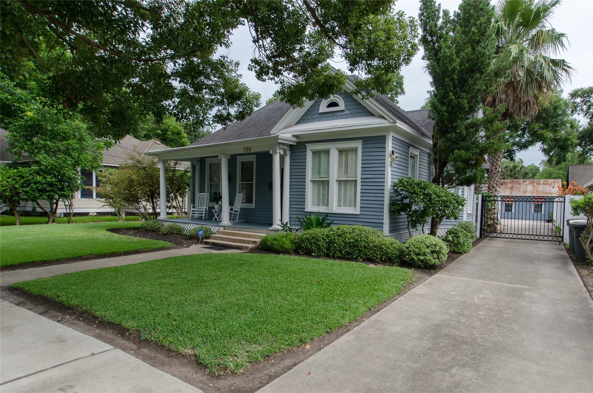 106 W San Antonio Property Photo - Victoria, TX real estate listing