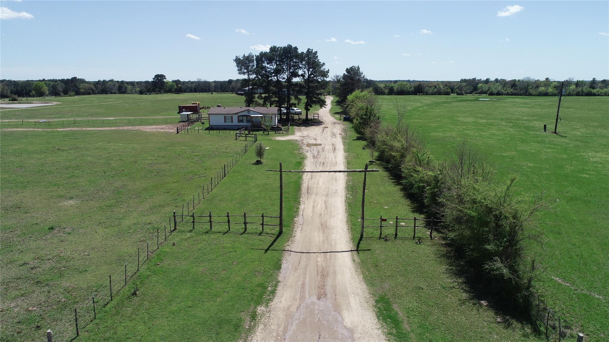 6464 County Road 146 Property Photo - Bedias, TX real estate listing