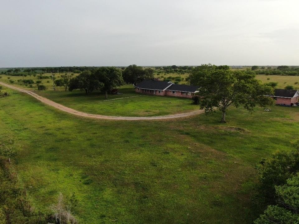 662 County Road 280 Property Photo - Edna, TX real estate listing