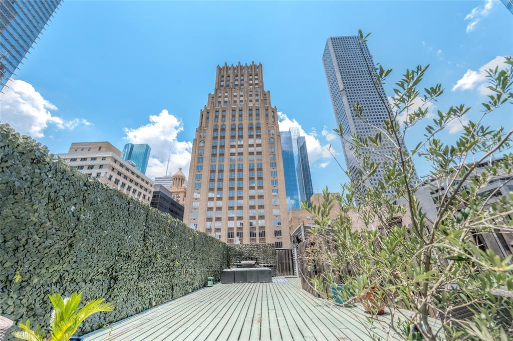 711 Main Street #1002 Property Photo - Houston, TX real estate listing