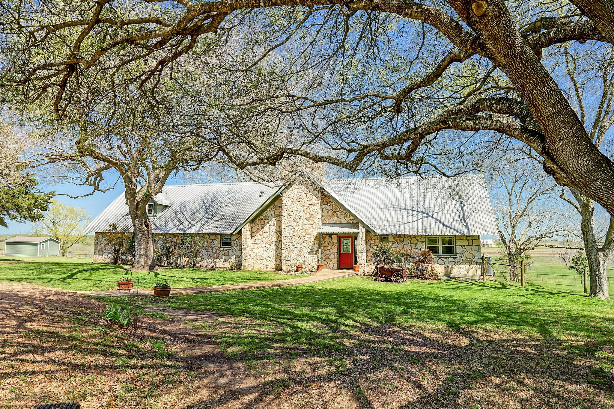 7201 Guettermann Ehler Road Property Photo - Muldoon, TX real estate listing