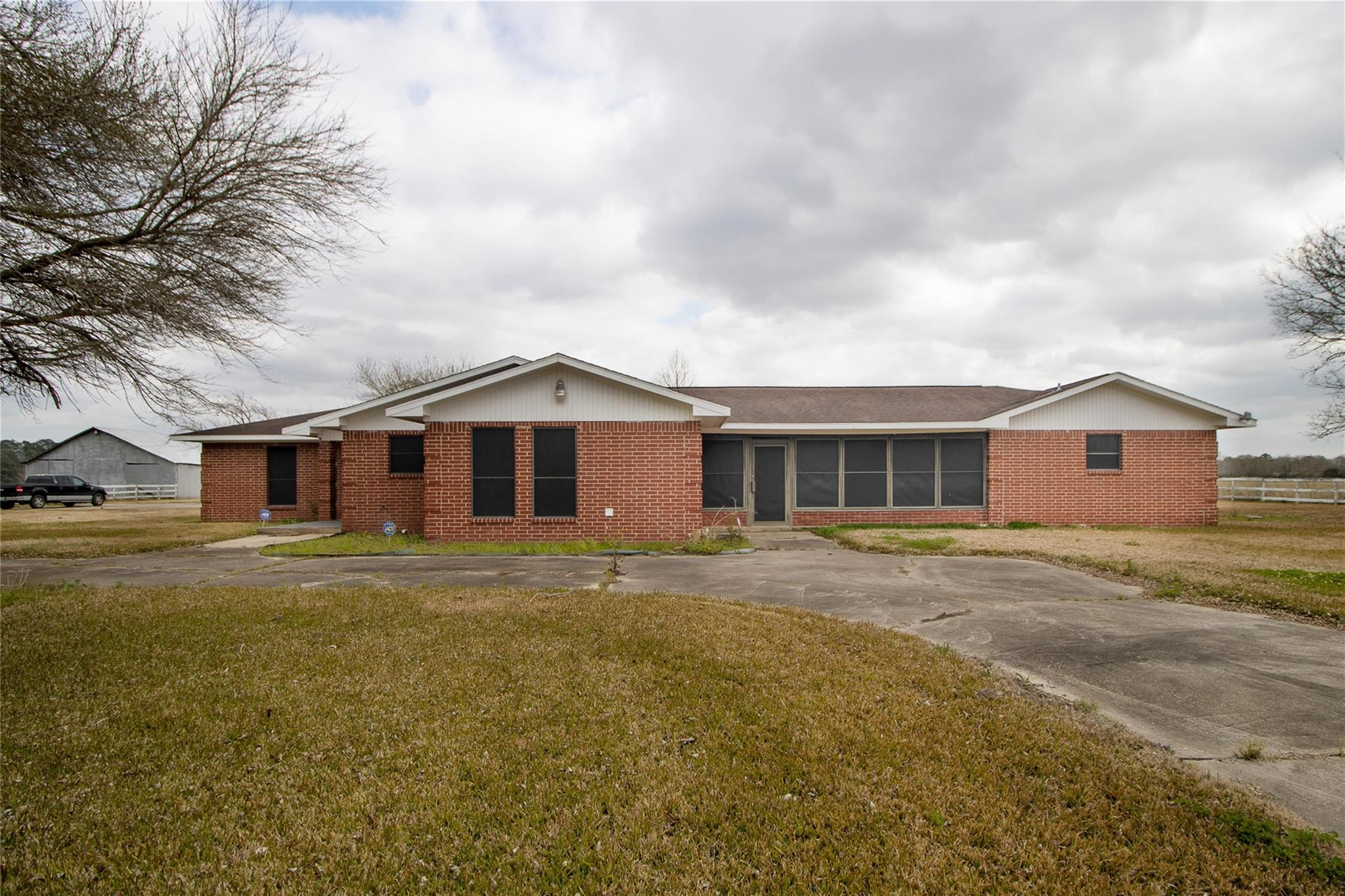 9414 Highway 321 Property Photo - Dayton, TX real estate listing