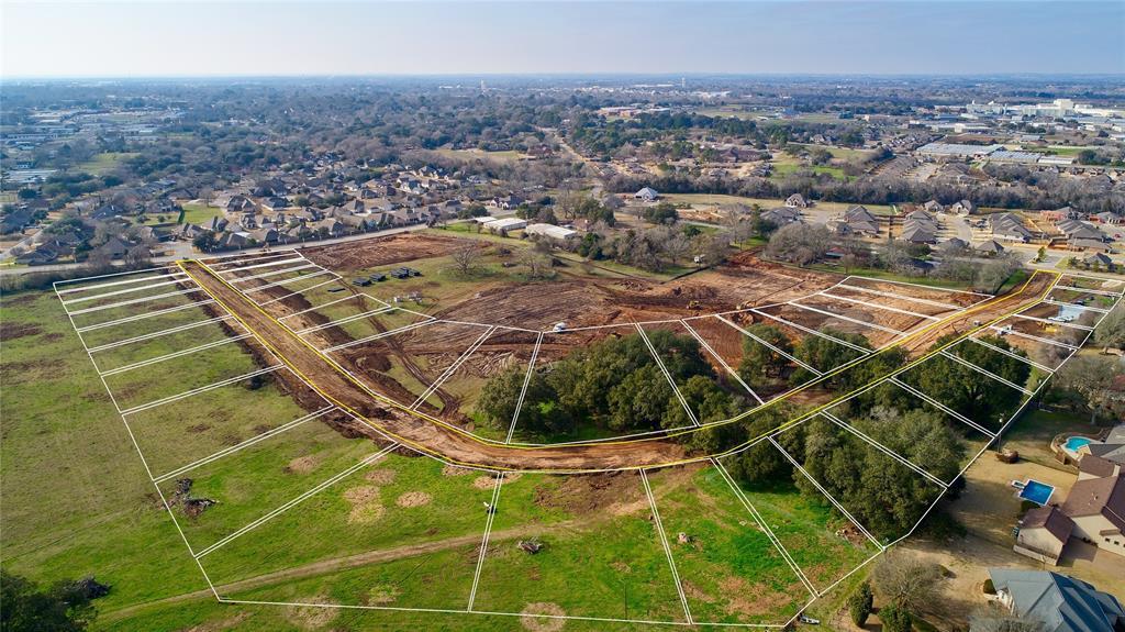 2437 Oak Hollow Lane Property Photo - Brenham, TX real estate listing