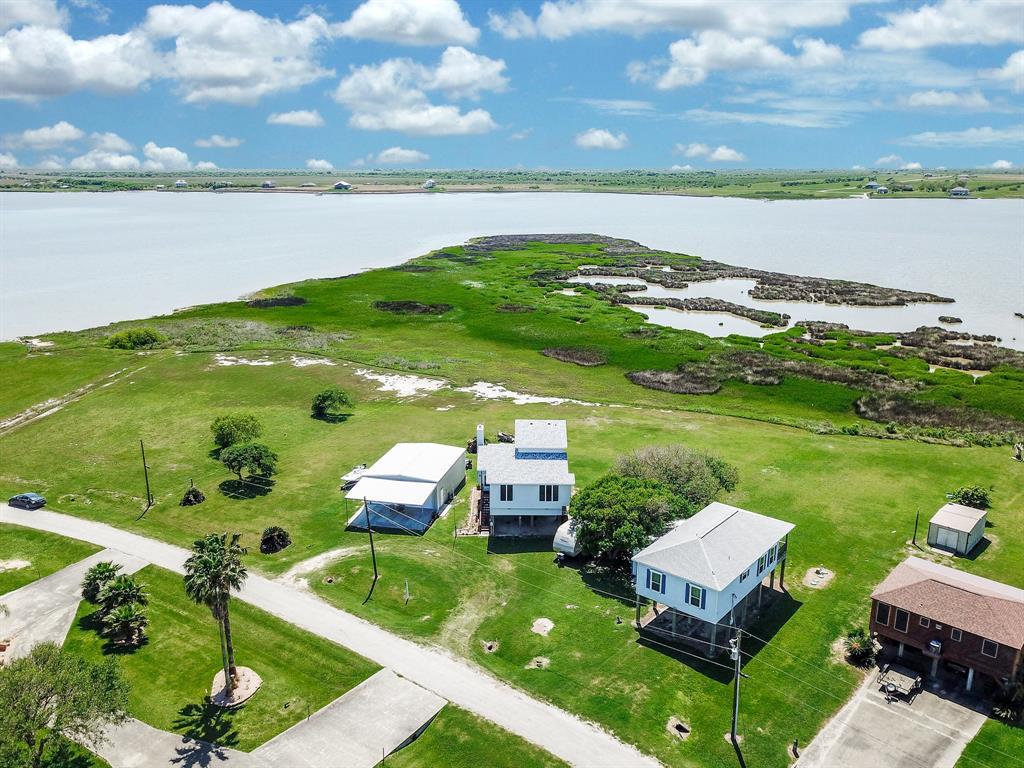 1276 W Bayshore Drive, Palacios, TX 77465 - Palacios, TX real estate listing