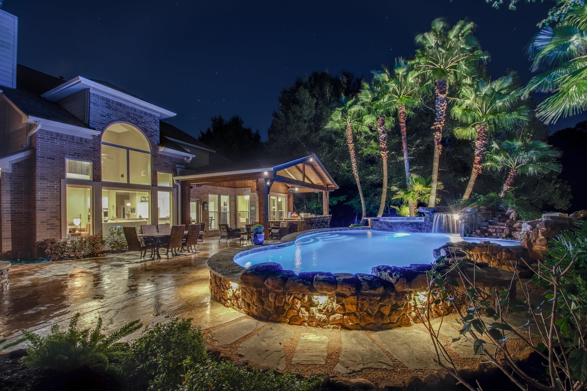 2103 River Bend Way Property Photo - Houston, TX real estate listing