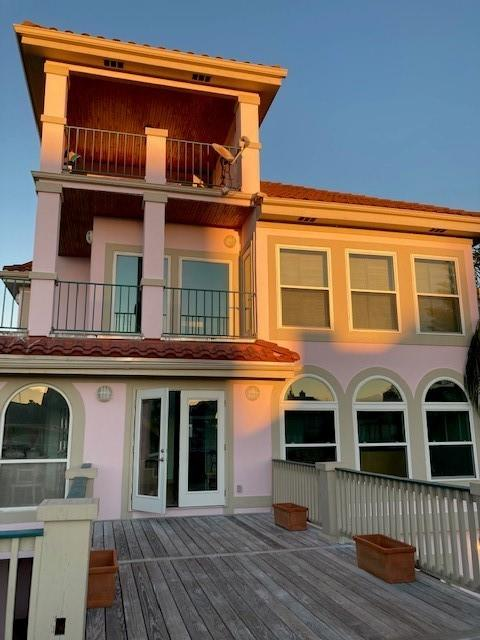 3403 Muscatee Circle Property Photo - Galveston, TX real estate listing