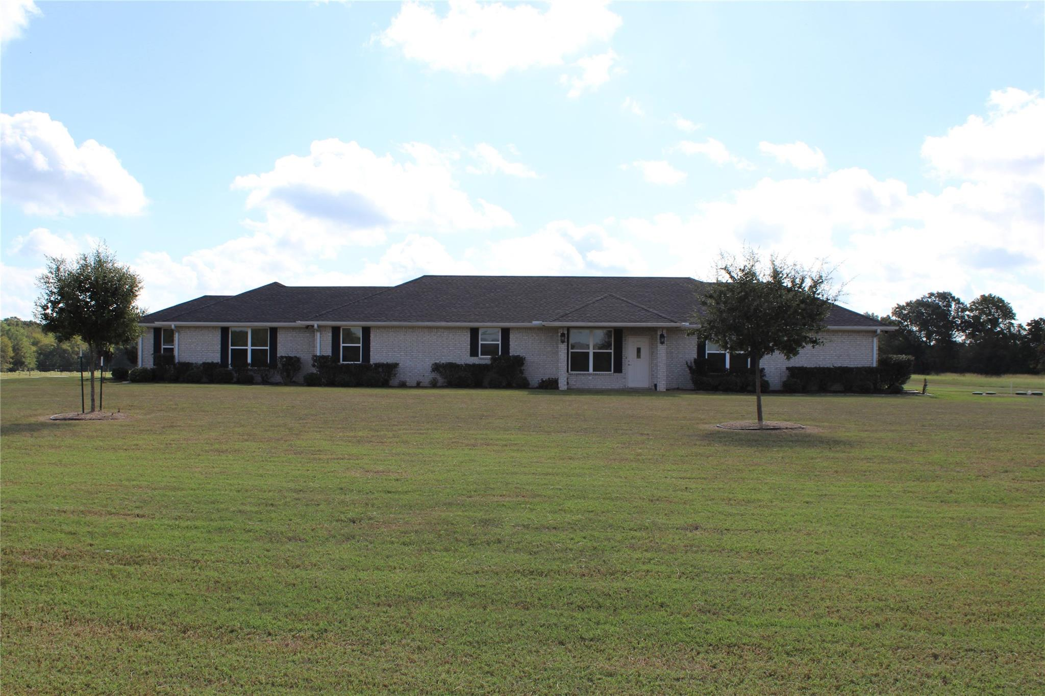 4902 Fm 2022 N Property Photo