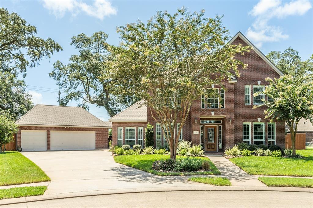 55 Snowberry Court Property Photo - Lake Jackson, TX real estate listing