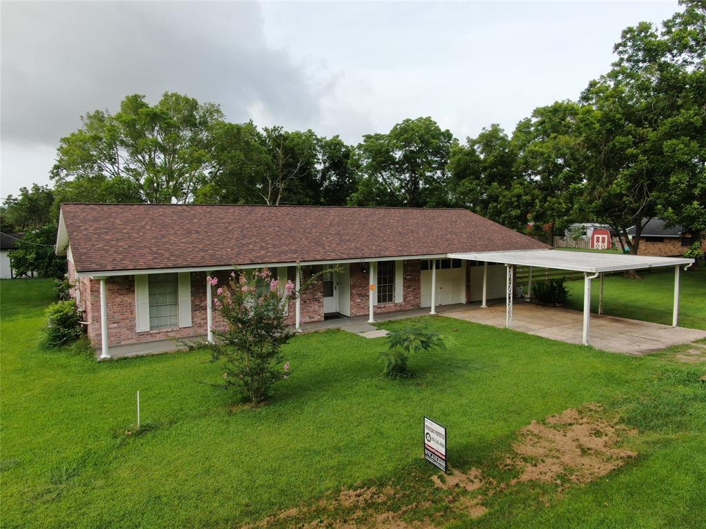115 Dingee Street Property Photo - Jones Creek, TX real estate listing