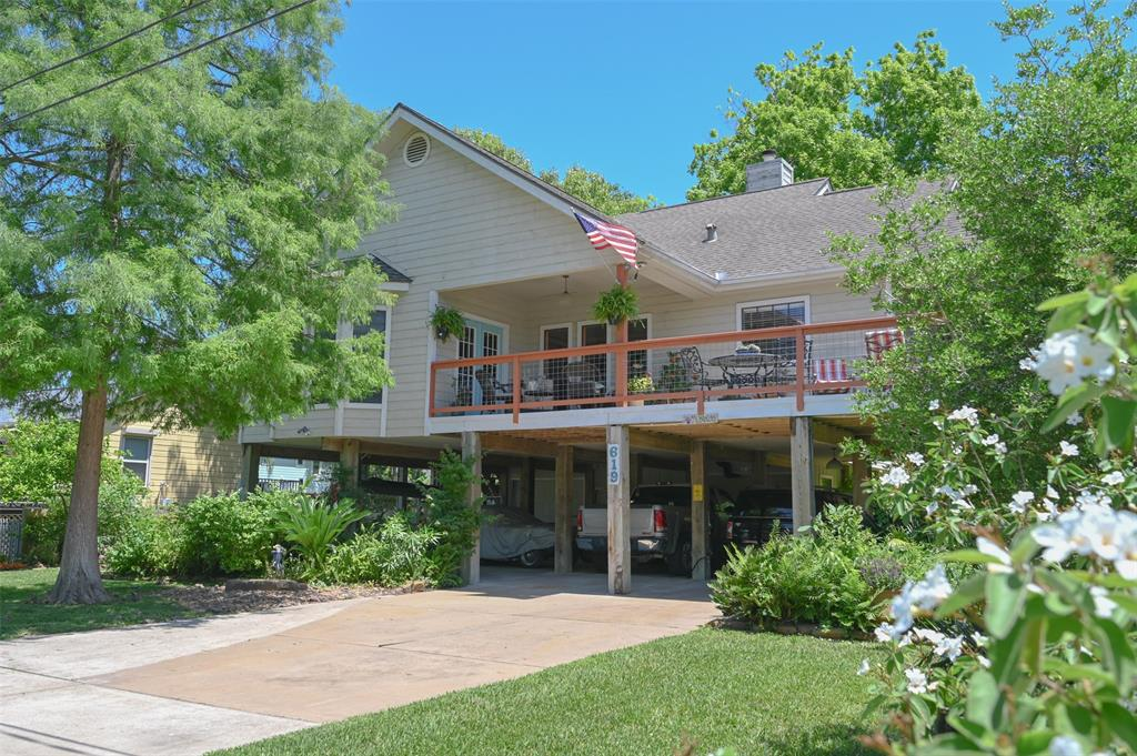 619 Narcissus Road Property Photo - Clear Lake Shores, TX real estate listing