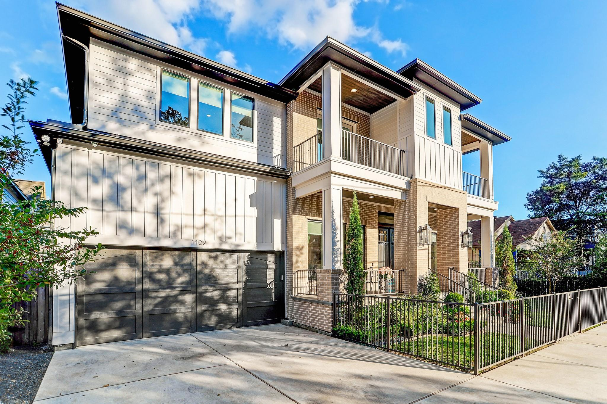 1422 Lawrence Street Property Photo - Houston, TX real estate listing