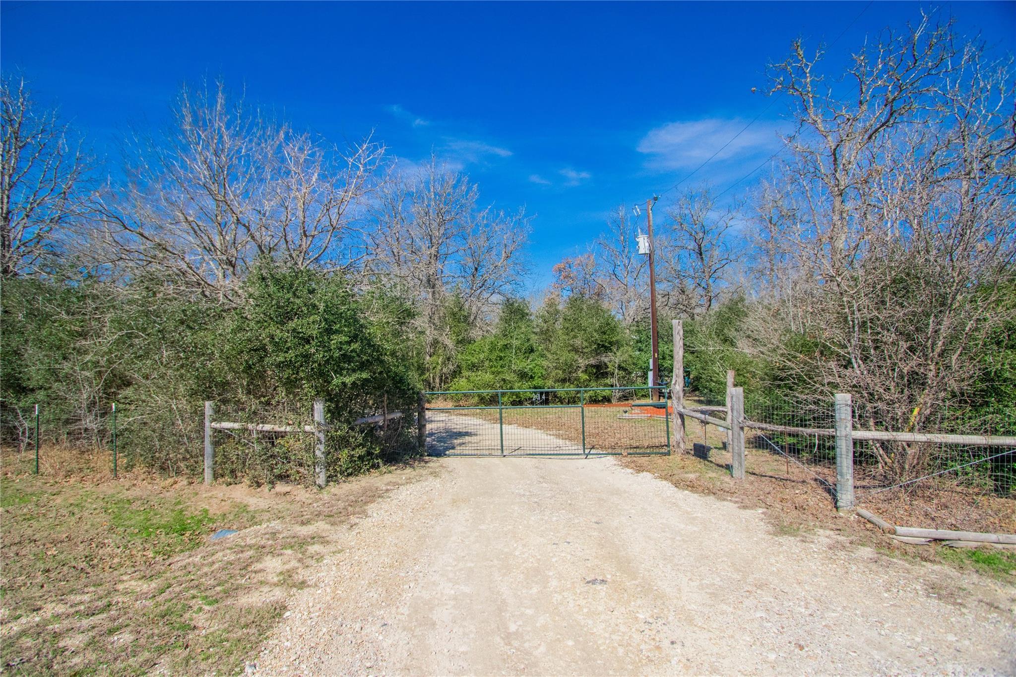 2014 Overlook Drive Property Photo