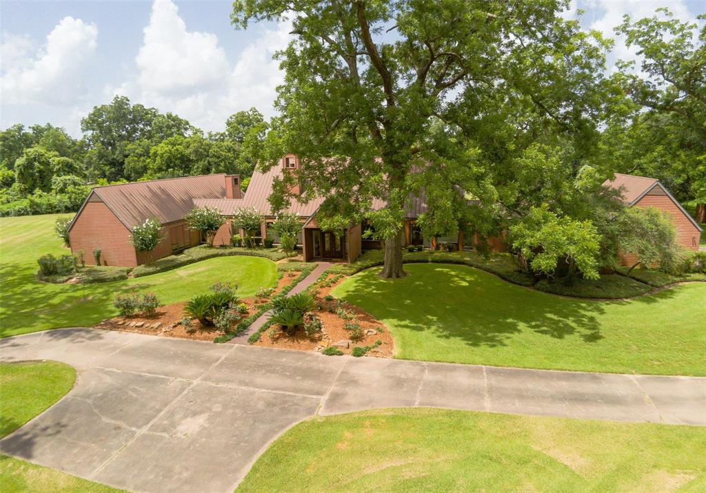 1228 Caney Trail Drive Property Photo - Wharton, TX real estate listing